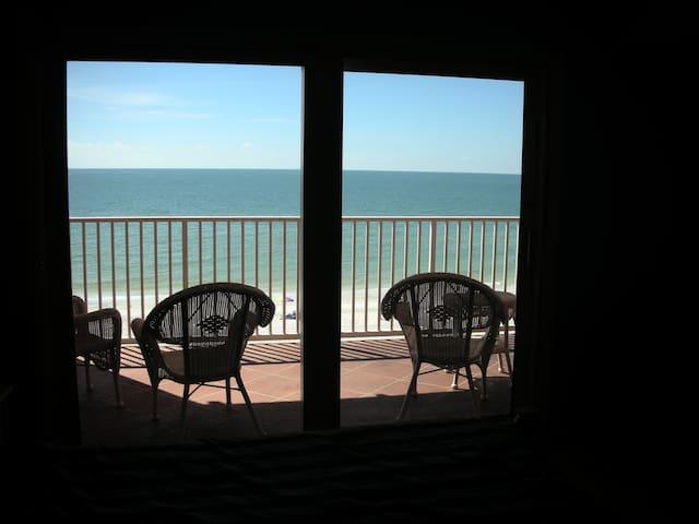 SPECTACULAR VIEW 3 bdm condo RIGHT ON the beach - Indian Shores - Condominium