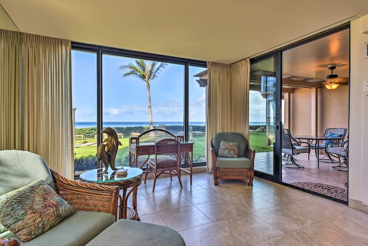 Lahaina Condo w/ Patio, Ocean Views & Pool Access!