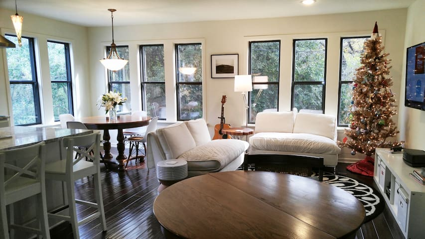 Large Downtown Area Townhome for 8! - Austin - Adosado