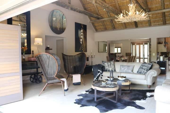 Luvivane Luxury Villa