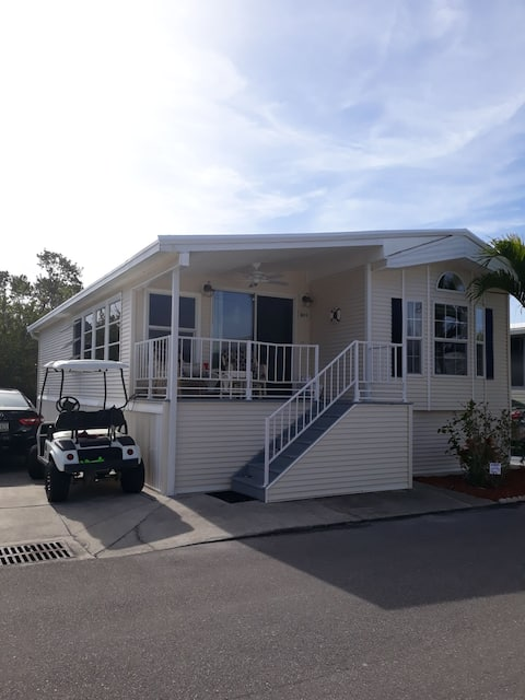 Cozy home in 55 & over community 4 mi. from beach