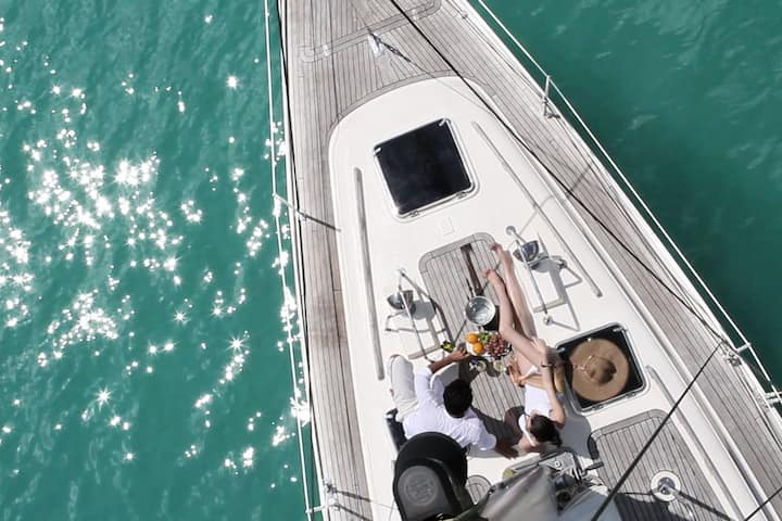 INDEPENDENCE EXPERIENCE ON PRIVATE YACHT