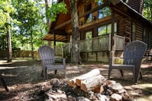 Colorado Cabin has a BBQ Grill, Hot Tub, and Foosball Table. Enjoy a Cool Evening Around the Fire.