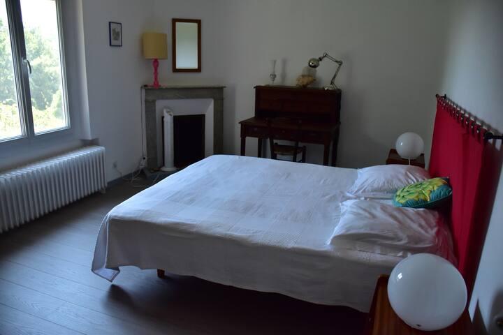 Chambre Bordeaux Gîte La Grave Haute Sud