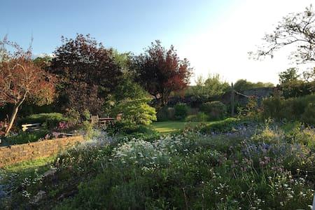 Walled Garden Sanctuary - River Dart Location - Staverton - House