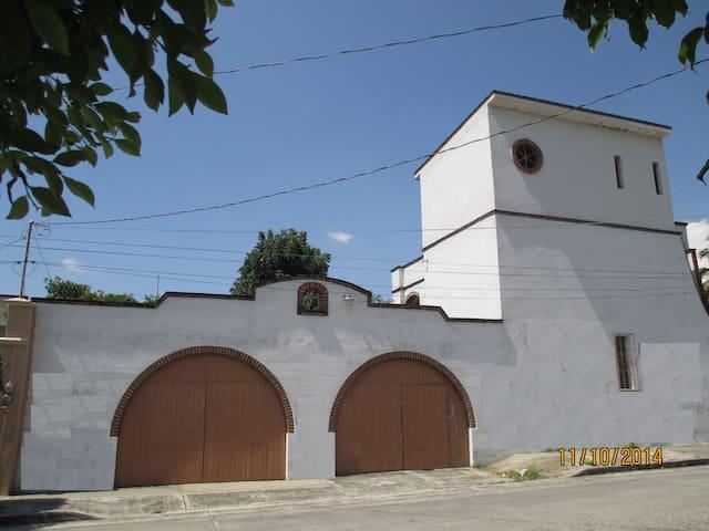 Hermosa Casa en Cuatla, Morelos - Cuautla - Huis