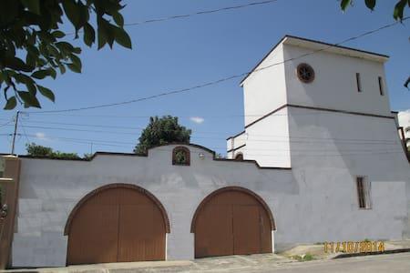 Hermosa Casa en Cuatla, Morelos - Cuautla - Hus
