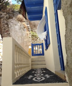 A secluded nest on a Greek island - Mandraki