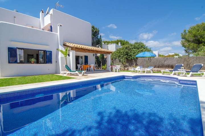 VILLA CALA ESMERALDA - Villa with private pool in Cala d'Or. Free WiFi