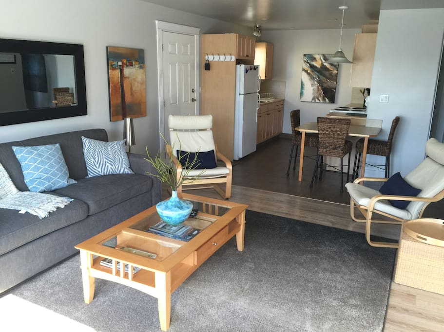 2 Bedroom Suite On Christmas Hill Guest Suites For Rent In Victoria British Columbia Canada