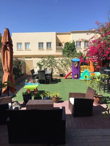 3 Bed Villa. Child Friendly - Dubai - House