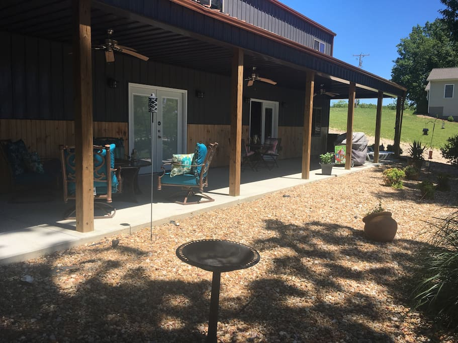 Relax on your patio around fire pit, grill and bird watching recommend.