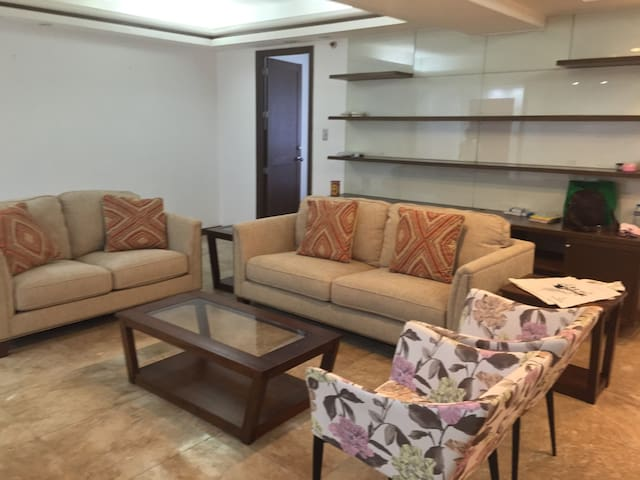 One bedroom in the heart of makati - Makati - Apartment