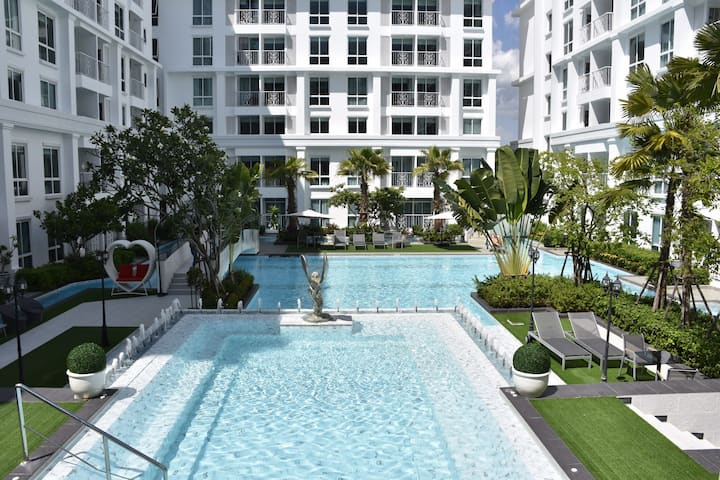 Brand new condo in a new resort, Jomtien, Pattaya