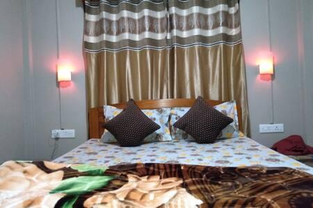 MAWLYNNONG  B.E. KYNMAWLEM HOMESTAY. (2 Bed Room)