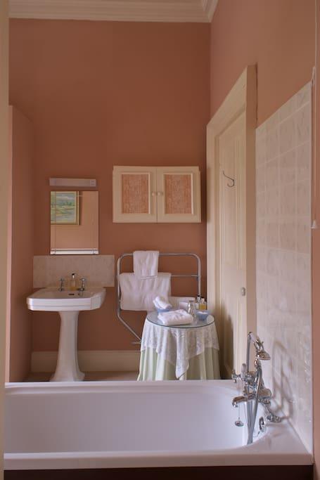 The Balcony En-Suite Bathroom