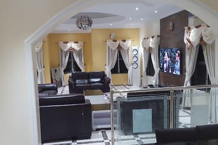 Luxury Abode - Lekki - Rumah