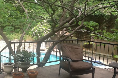 Charming 2800 sq. ft home with pool - Madison - Maison