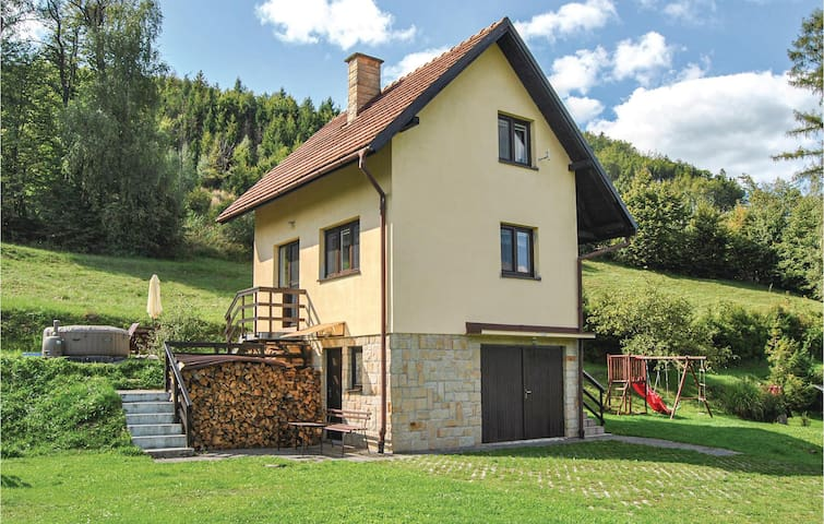 Holiday cottage with 2 bedrooms on 51m² in Mala Bystrice