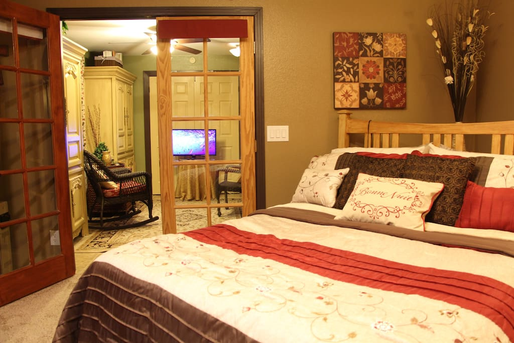 Spacious 2 room suite with private bath