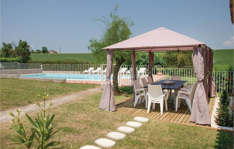 Stunning home in Beauville with WiFi, Outdoor swimming pool and 4 Bedrooms