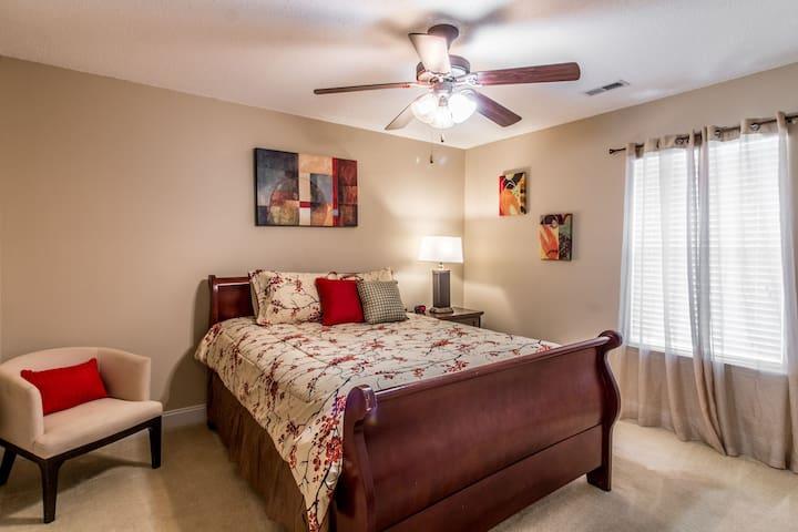 Second room- Queen bed