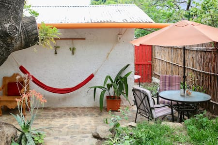 2 bedroom Garden Paradise Just For You