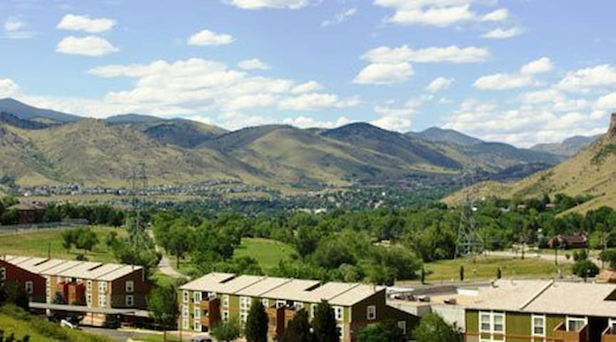 Lovely South Golden Colorado 2bd Vacant