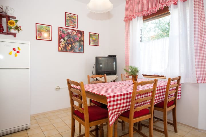 Apartment with spacious terrace A6 Ljerka - Krk - Apartment