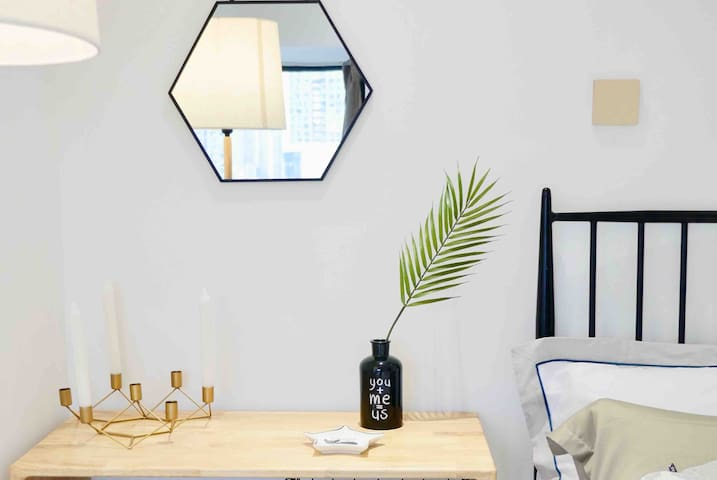 【NiteNite奈奈】地铁口 水贝珠宝东门私人影院创意公寓 1min Sta.stylish ap