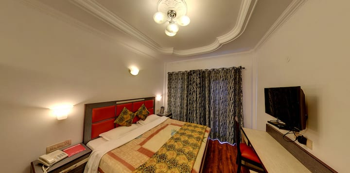 Mountain Green Hills Executive/Mussoorie