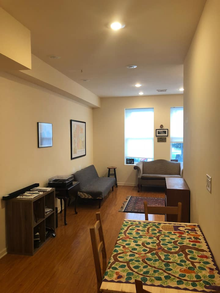 Cozy 2BR/1BA in Point Breeze