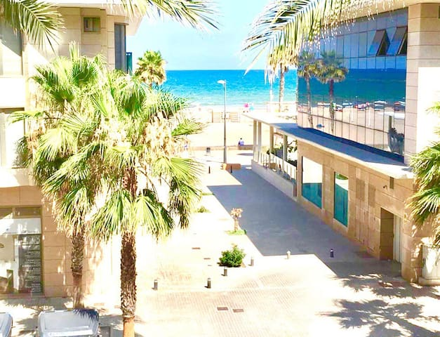 BEACH APARTMENT WITH POOL, NEXT TO SAND, VALENCIA