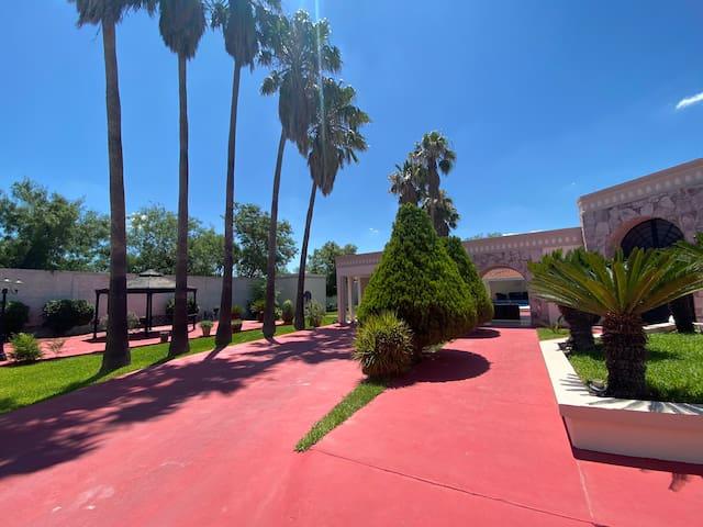 Quinta en el centro de Salinas Victoria
