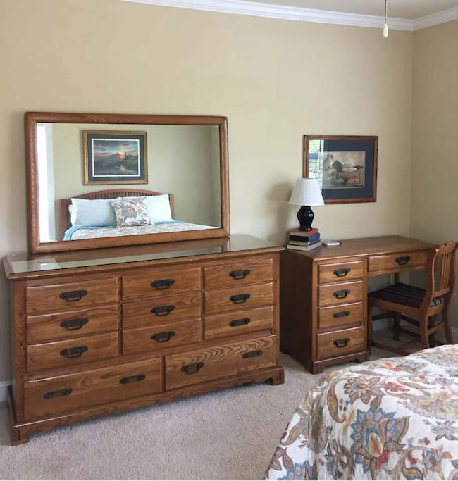 Dresser w/mirror; desk with lamp, chair.
