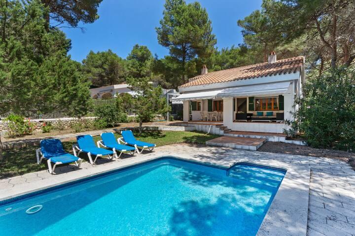 Splendid Holiday Home in Ciudadela de Menorca with Garden