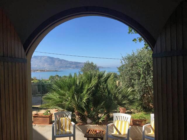 Come Capire Se Vuole Solo Portarti A Letto.Airbnb Custonaci Vacation Rentals Places To Stay Sicilia