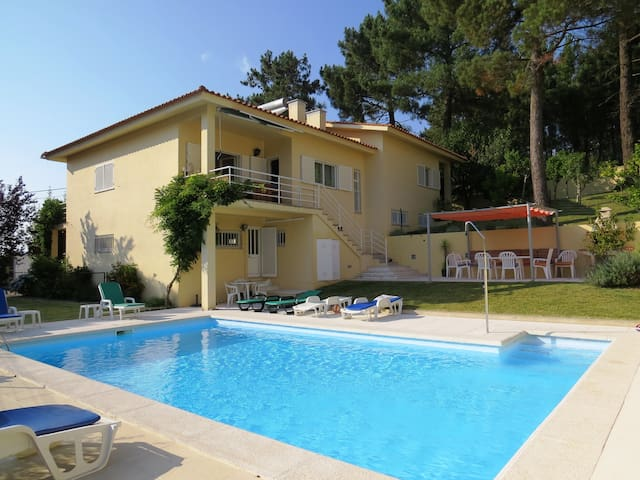 Villa with private pool and beautiful views - Caminha - House