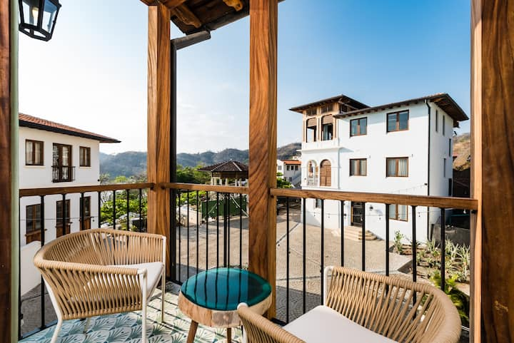 Colorful and Lively 4Bdr Home in Las Catalinas