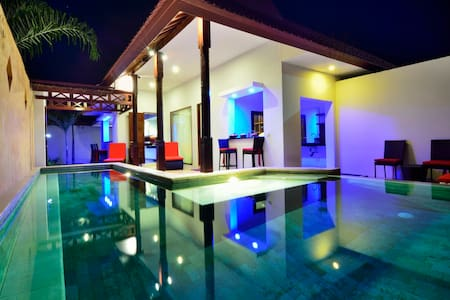 RIVIERA VILLAS LOMBOK-Totally Relax & Rejuvenate!!