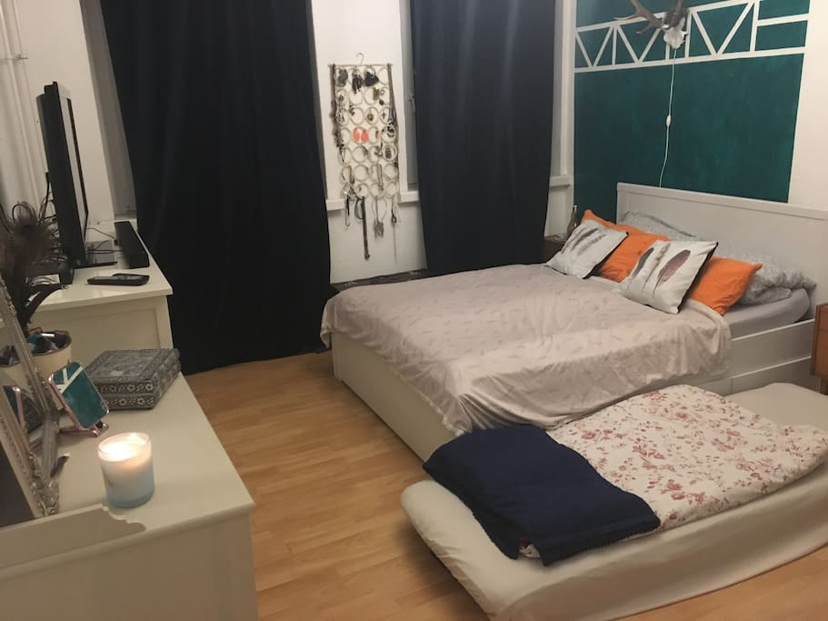 Living room with mattress for a stay with 3 persons