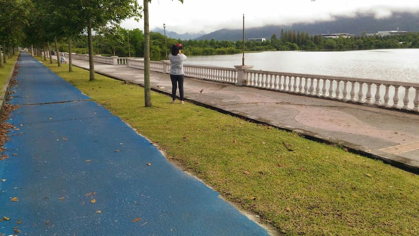 Many lake surrounding.jogging track - George Town - Apartment