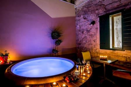 Villa Palace 4 rooms 3 bath jacuzzi - สปริต