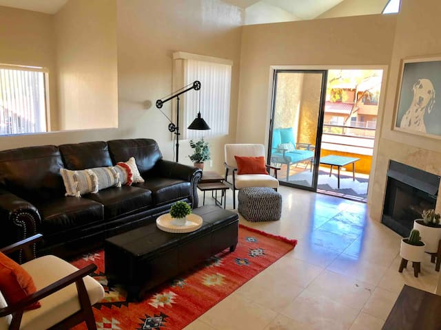 Beautiful 2bd/2ba Condo in the Heart of Scottsdale
