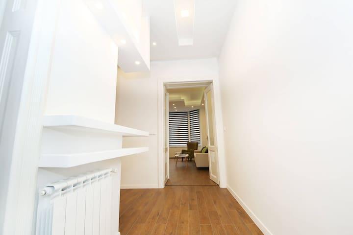 Hallway, oak wood parquett flooring