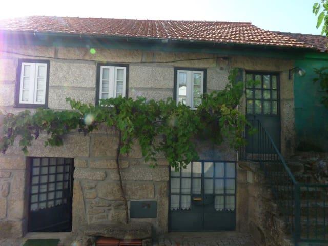 Casa Moita, Viseu - Moledo - House