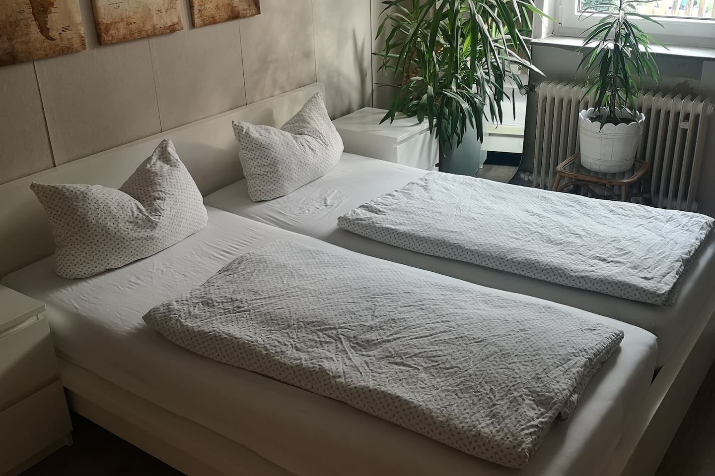 Living-Sleeping room with a 180x200cm bed with very comfortable mattresses