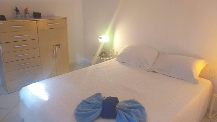 Hostel Bom Gosto Suíte 03 azul (CARNAVAL)
