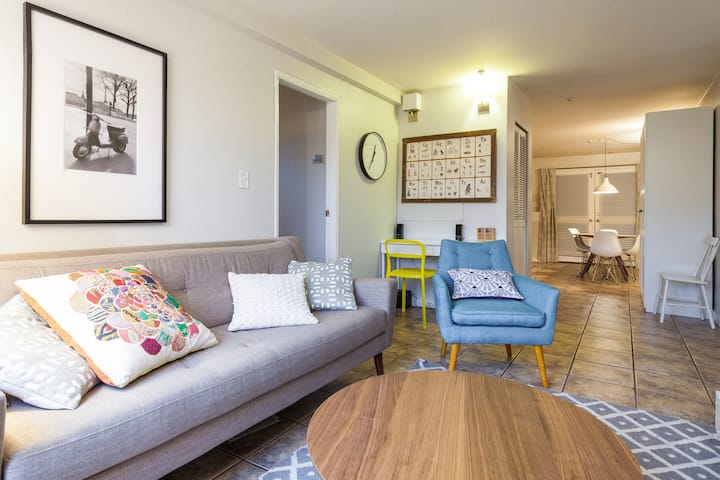 Beautiful ground level suite in Character home