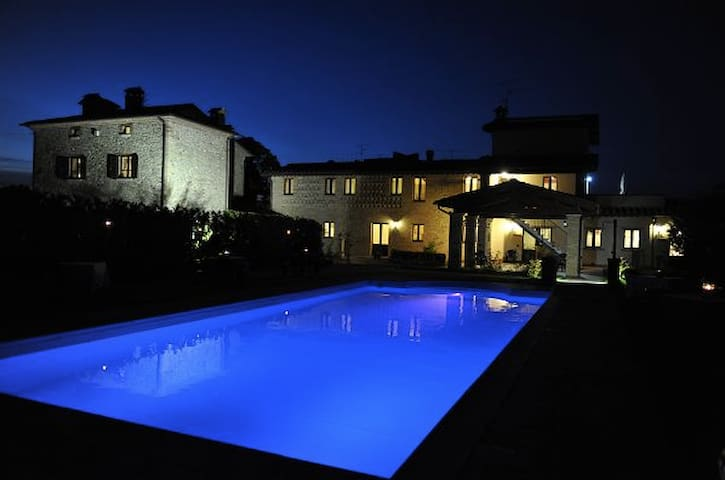 Suite on Edge of Tuscany & Umbria - Citerna - Guest suite